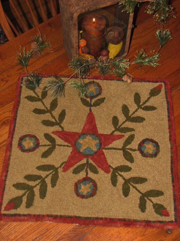 """THE WINTER STAR"" PRIMITIVE HOOKED RUG HOOKING PATTERN"