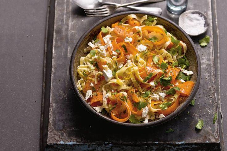 Kijk wat een lekker recept ik heb gevonden op Allerhande! Tagliatelle met wortel, citroen en geitenkaas