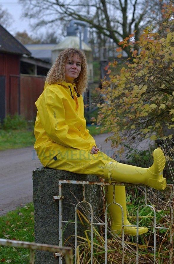 Seglarjacka   Farmerrain   rubberboots   Pinterest   Yellow