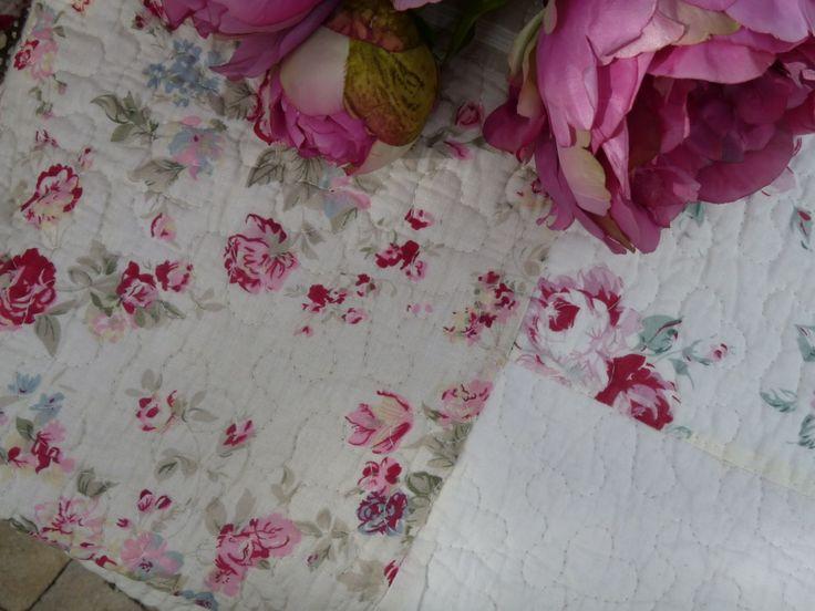 ber ideen zu couvre lit boutis auf pinterest tagesdecken rideau lin und couvre lit. Black Bedroom Furniture Sets. Home Design Ideas