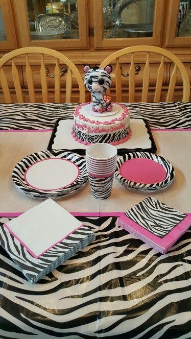 Best 25 Zebra party ideas on Pinterest Zebra party decorations