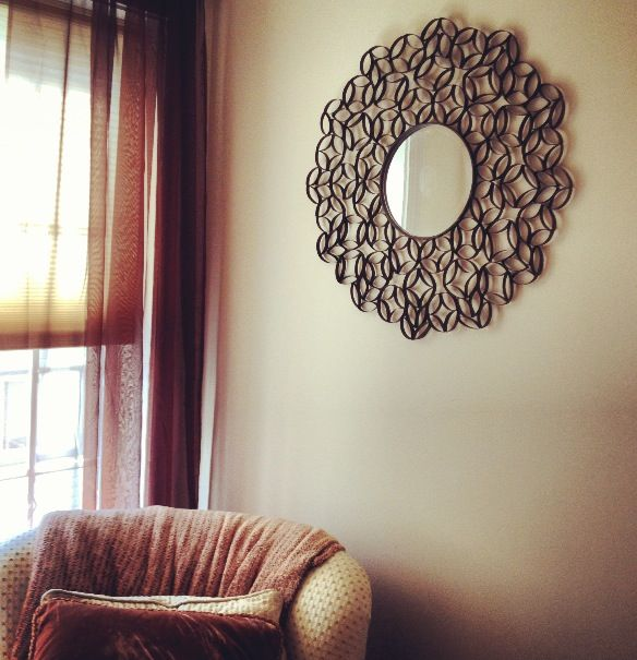 Made2Style: Toilet Paper Roll Mirror http://made2style.com/2012/07/10/toilet-paper-roll-wall-art/