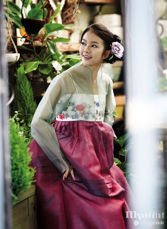 Hanbok | The see through top makes me think it is Gisaeng, but I can't be sure.