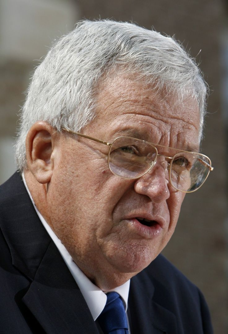 Former House speaker Dennis Hastert indicted by federal grand jury