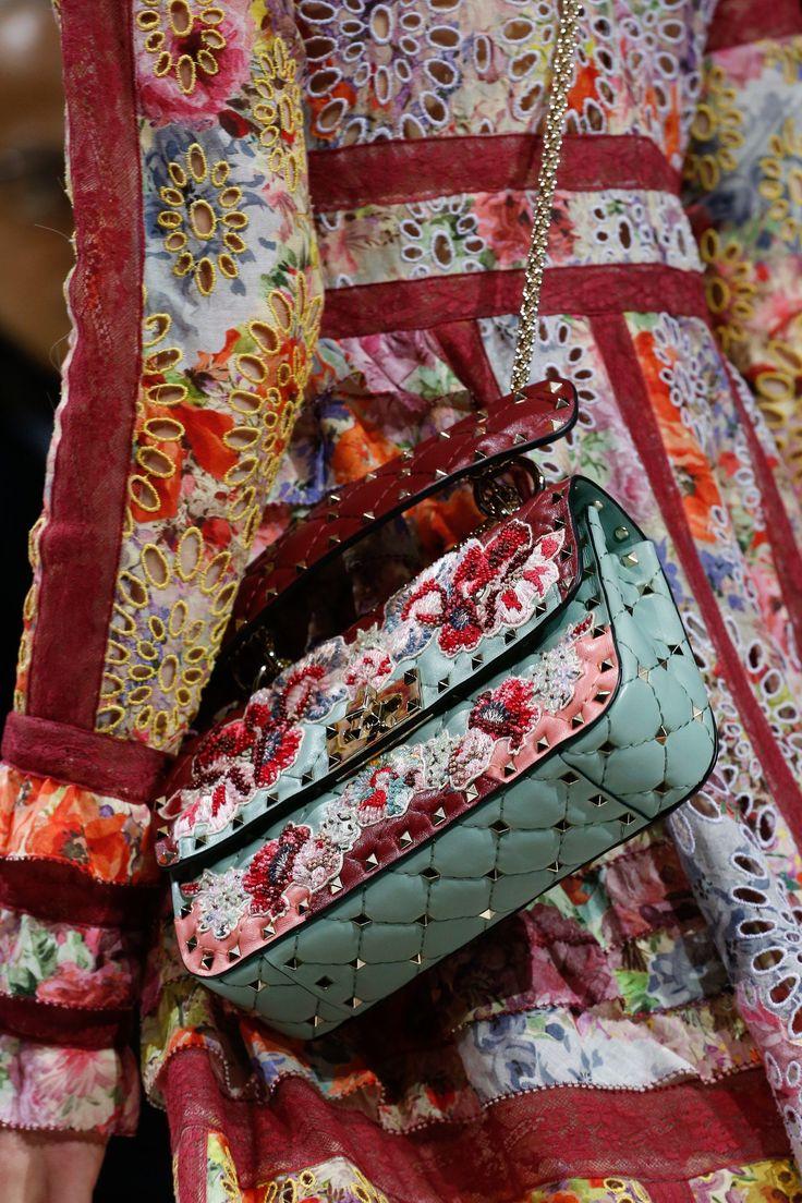 Valentino Spring 2018 Ready-to-Wear Accessories Photos - Vogue
