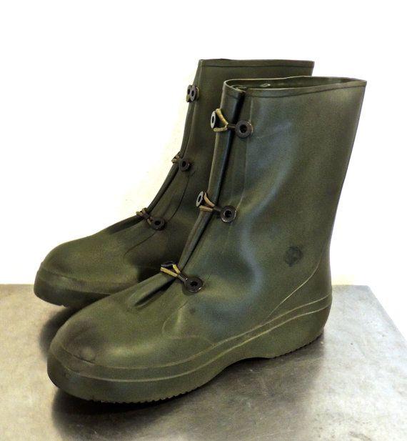 best 25 mens rain boots ideas on pinterest mens hunter boots mens hunter rain boots and rain. Black Bedroom Furniture Sets. Home Design Ideas