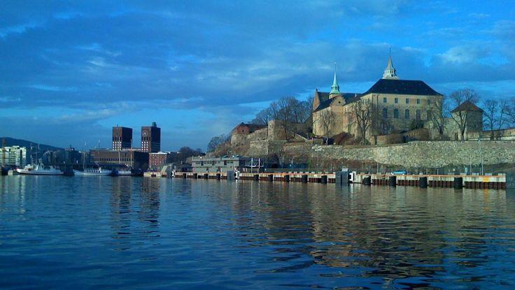Rådhuset og Akershus festning - Akershus festnings lange og innholdsrike historie gjør det til et ganske så nifst sted, ifølge USA TODAY. - ...