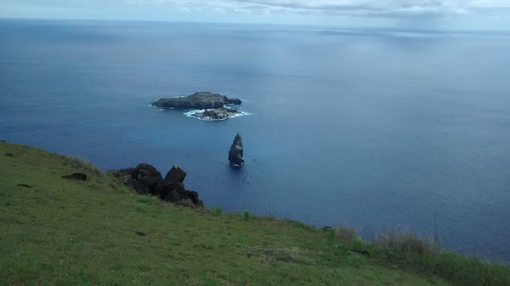Vista de los Motus desde Orongo, Rapa Nui, Chile