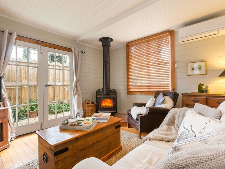 """We loved it! Such a beautiful cottage and fantastic location!""#romanticescapes #petfriendly http://bit.ly/1Vhqb38"