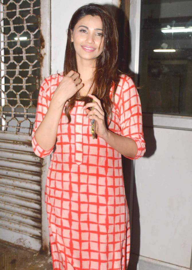 Daisy Shah at her play 'Begum Jaan'. #Bollywood #Fashion #Style #Beauty #Hot #Sexy
