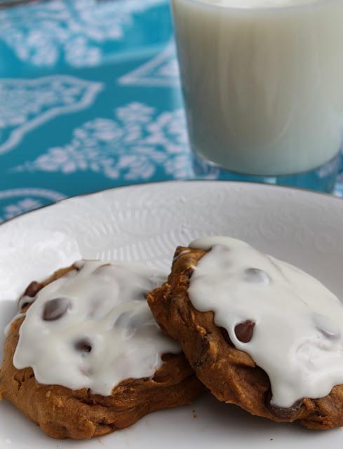 Easy diet friendly pumpkin chocolate chip cookies!