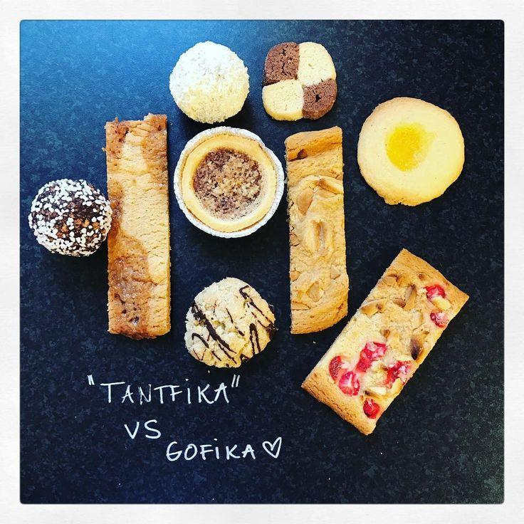 Chokladbollar, vit chokladboll, skuren kaka med hemgjord daim eller jordgubb/vit choklad eller vit choklad & havssslt.