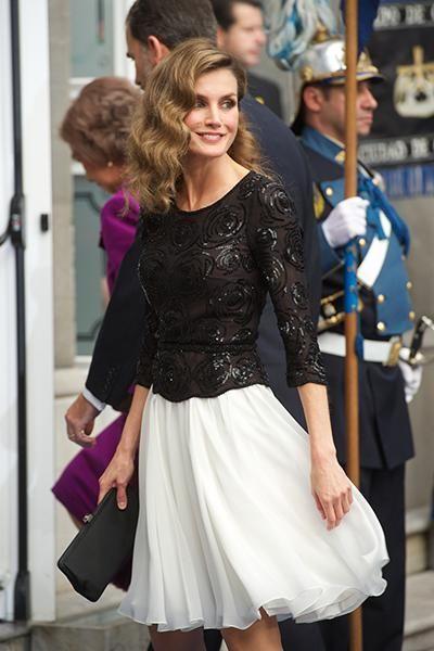 Letizia Ortiz, une reine d'Espagne moderne et sexy avec son...