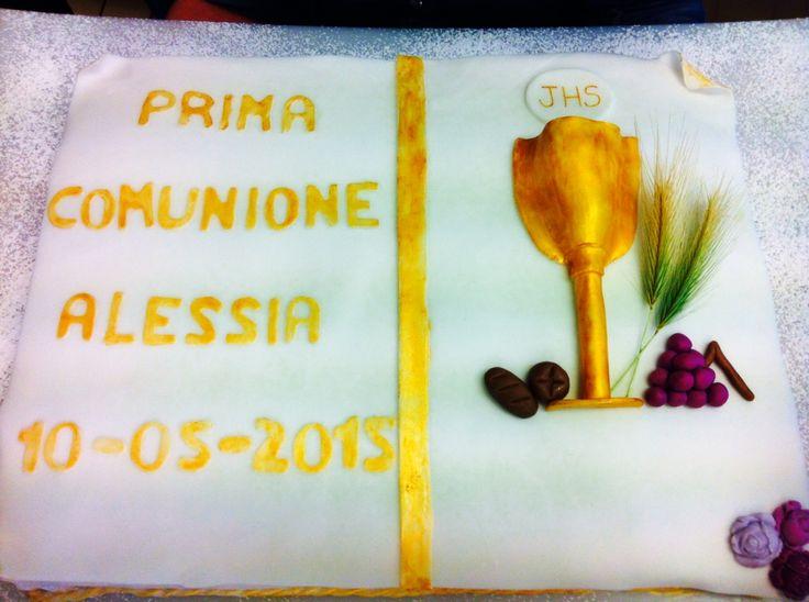 Torta Prima Comunione - First communion cake #gold #oro #chiryscakes #decorazione #fondente #fondant #decoration #cakedesign
