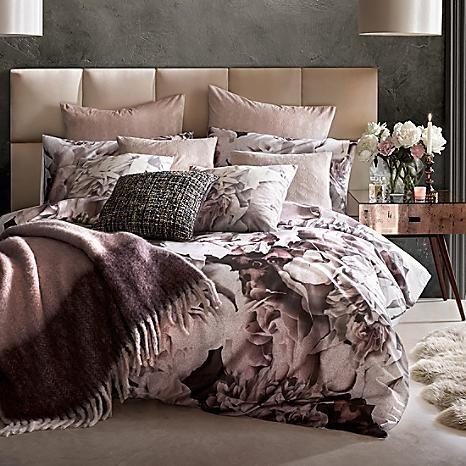 Karl Lagerfeld Rose Spray Duvet Cover & Standard Pillowcase Set #kaleidoscope #loveflorals