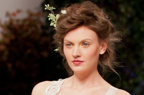 Best 25 Vintage Wedding Hairstyles Ideas On Pinterest: Best 25+ Fine Hair Updo Ideas On Pinterest