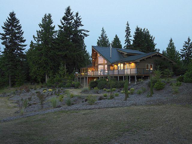 Best 25 cedar homes ideas on pinterest cabin kit homes for Lindal log cabin homes