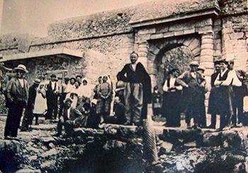 Η Σπιναλόγκα παρά την μεγάλη και πολυτάραχη ιστορία της είναι κυρίως γνωστή σήμερα σαν το νησί των λεπρών
