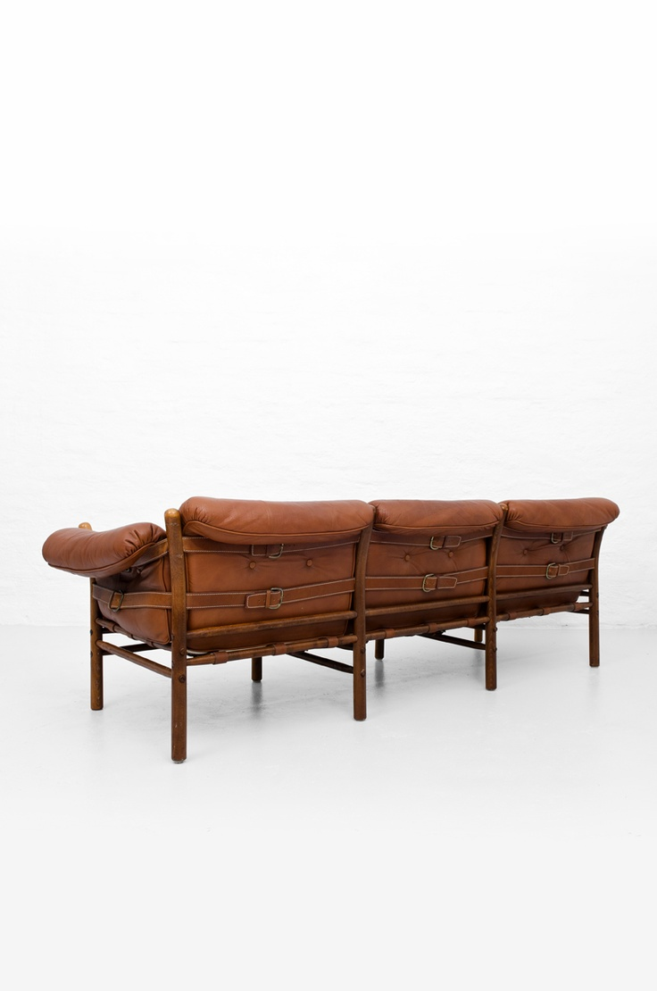 Arne Norell 'Ilona' safari sofa at Studio Schalling