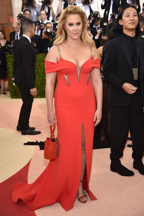 The most beautiful red carpet looks     Picture    Description  Amy Schumer in Alexander Wang    - #RedCarpet https://looks.tn/celebrity/red-carpet/red-carpet-looks-amy-schumer-in-alexander-wang/
