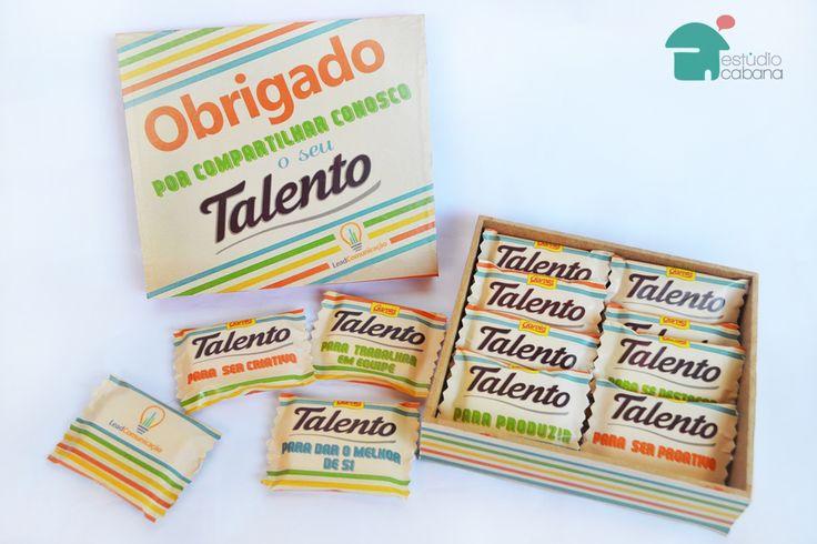 """Quer valorizar sua equipe pelo seu empenho? A Caixa de Talentos é uma ótima solução de presente! A Caixa personalizada contém 06 barrinhas de chocolate Talentos Garoto Personalizados. Cada barrinha, um talento a ser valorizado. Conceito: """"Obrigado por compartilhar conosco o seu Talento!"""""""