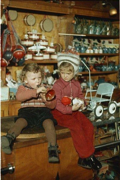 Дом ленинградской торговли. Секция «Игрушки», конец 1950-х