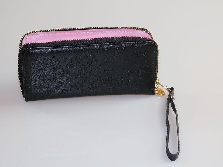 Duży czarny portfel damski z paskiem