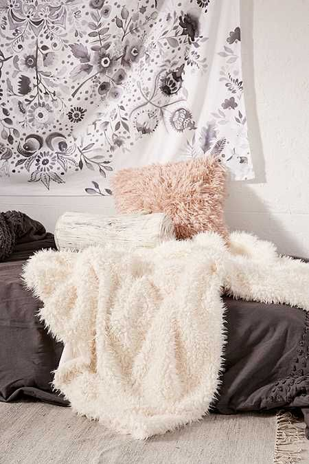 Cream Faux Fur Throw Blanket