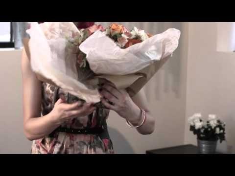 Упаковка букета цветов - YouTube