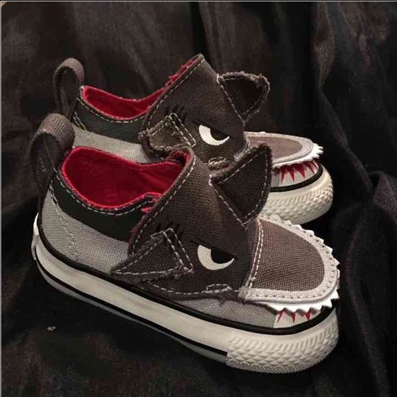 Baby converse shark shoes size 3c Brand new never been worn! Excellent condition Converse Shoes Sneakers