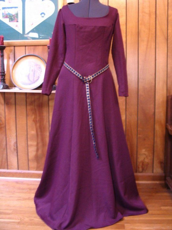 Medieval dress.  yeah, i would just wear this every day.