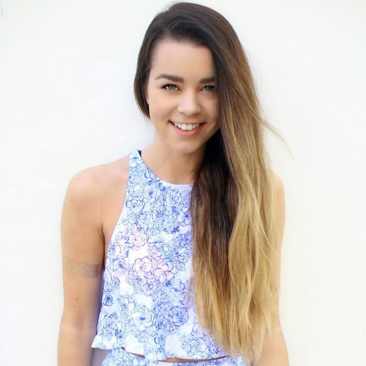 ✨I've started watching SierraMarieMakeup (Sierra Furtado)✨She's such an amazing YouTuber and you all should go subscribe to her✨❤️xx