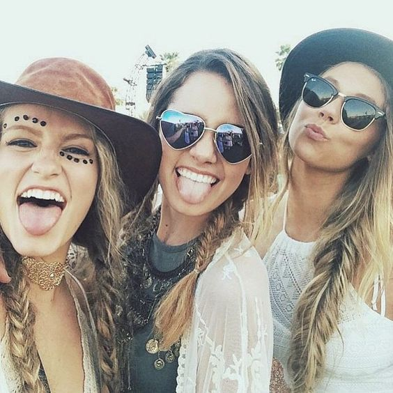 Festival Fashion, makeup, outfit ideas and style tips.