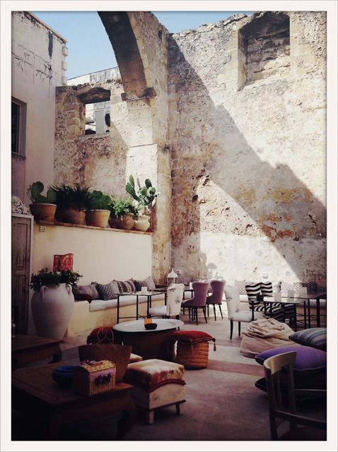 Share from UPLO: Blanc Living Cafe Gallipoli Italy 2012 Stoll (Ip4) by Gigi Stoll