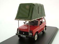 Lada Niva con Tenda tetto 1981 rosso, Modello auto 1:43 / IST Models