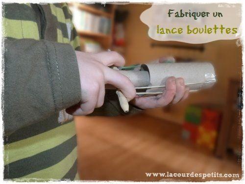 bricolage avec des rouleaux de papier toilette 2 fabriquer un lance boulettes rouleaux de. Black Bedroom Furniture Sets. Home Design Ideas