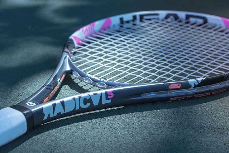 New Pink Cosmetic Update Of Head S Graphene Xt Radical S Tennis Racquet The Head Graphene Xt Radical S Features A Larger Head Tennis Racquets Tennis Racquet