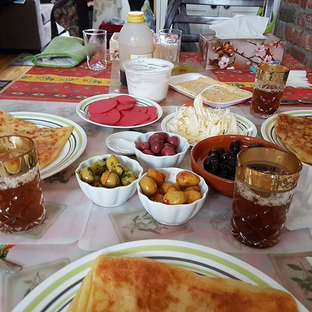 #desayuno a la #marroqui  #marruecos #vacaciones #2017 #canada #montreal #marruecos #chile #aventura de mi #viaje #travel ##travelgram #traveltip #traveler #instragram #instachile #boy #men #happy #happymoment #2017 #summer #f4f #l4l #explore #explorecanada #culturas