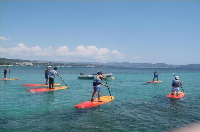 Stand Up Paddle Board Rental in La Ciotat Explore southern France's beautiful coastline at your leisure with this 1-hour paddle board rental in La Ciotat. Clip into your life jacket and paddle out onto the gentle waves. Then, explore the beautiful Côte d'Azur shoreline and soak up the sunshine. This beginner-friendly rental service includes closed shoes, a life jacket, a paddle board and a paddle.Choose the rental time to suit your plans then — with your life jacket on and pad...