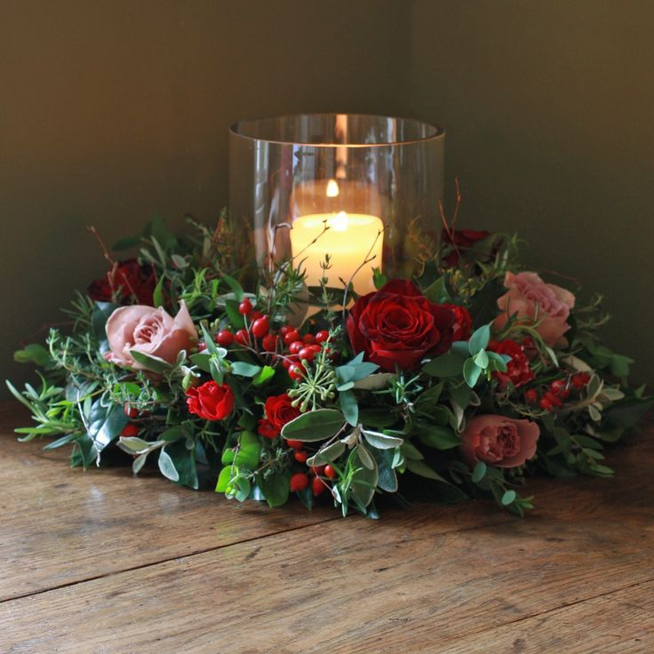 The Real Flower Company Christmas Luxury Antique and Red Rose Table Wreath
