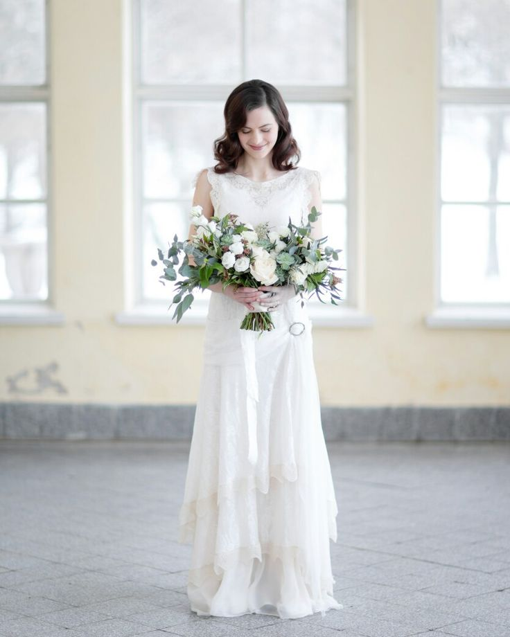 Twenties style wedding dress. Photo:Annika Liinanki. Dress:Boutique Minne