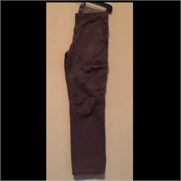 OLD NAVY cargo pants Mens cargo pants size. 32w 32L. Check out pics for design detail. Old Navy Pants Trousers