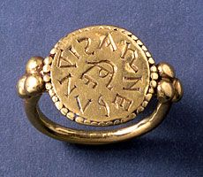 Ring inscribed with the name ARNEGUNDIS. 6th c Merovingian