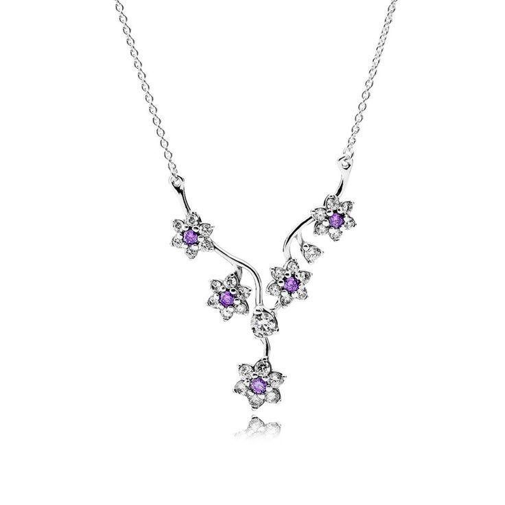 Pandora Zilveren Ketting 'Vergeet-Mij-Nietje' 590519ACZ-45. Maak een statement met deze prachtige Ketting versierd met vergeet-mij-nietje bloemen. De prachtige zilveren bloemen met zirkonia zorgen voor een verfijnde look. De finishing touch voor elke outfit.