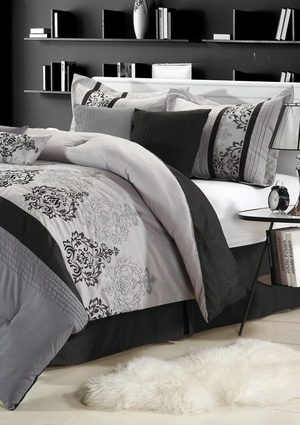 CHIC HOME Renaissance Comforter Set