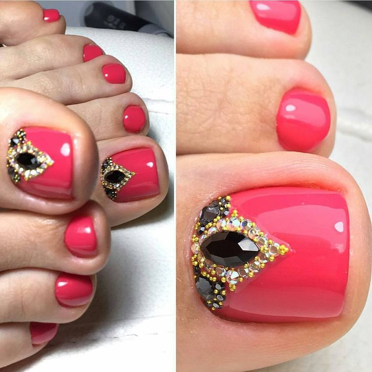 These are to die for! Beautiful colour and exotic decoration. Definitely my next toenail design
