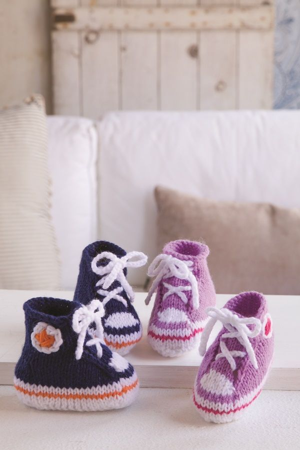 The Deramores Baby DK Collection