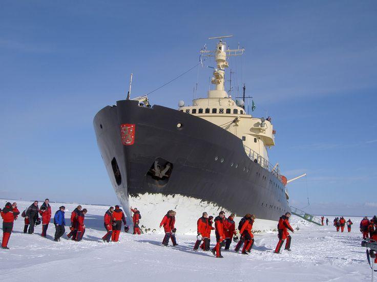 Cruising on the icebreaker Sampo. These guys are having a break and going swimming. Photo: Kemin Matkailu
