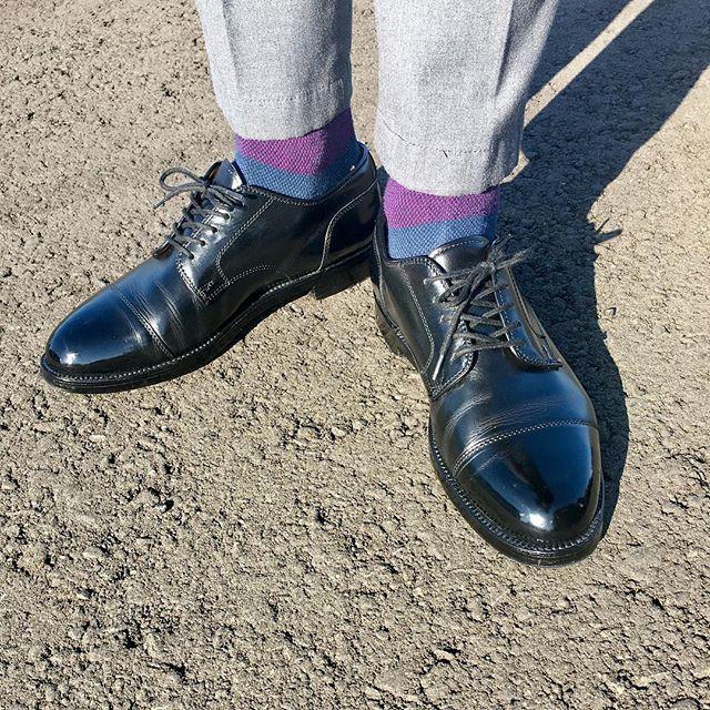2017/10/27 09:10:33 takaaki.seungmyeong.oshima Good morning 🍀 . . . 🐮  #alden #aldenshoes #aldenarmy #aldenpeople  #leathershoes #calfleather #shoes #shoepolish #shoeporn #stragighttip #dressshoes #shoegaze #shoeaddict #shoeshine #highshine #shoeoftheday #shoestagram #オールデン #靴磨き #鏡面磨き #鏡面仕上げ #革靴 #カーフレザー #足元倶楽部 #今日の足元 #いってきます