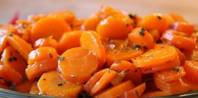Voici la recette des carottes vichy avec Thermomix, ce plat a été nommé d'après la ville qui porte le même nom. un plat d'accompagnement rapide.